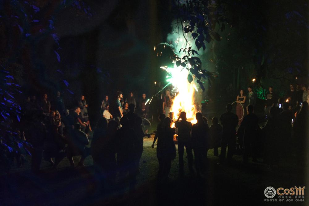 autumnal-equinox-bonfire-cosm-2014